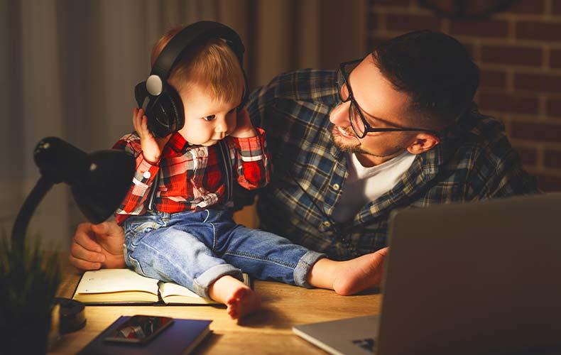 Лучшие подкасты для молодых родителей