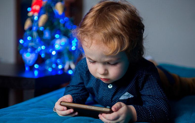 Влияние гаджетов на сон малыша