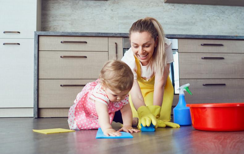 Секреты уборки вместе с малышом
