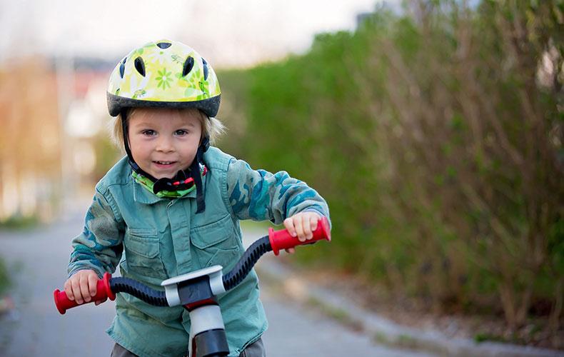 Выбираем самокат, беговел и велосипед