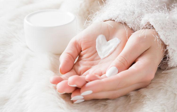 Как маме ухаживать за кожей зимой?